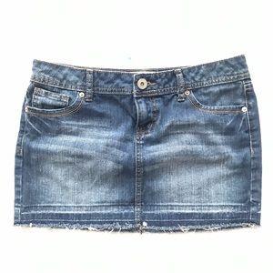 SO Denim mini skirt size 9 raw hem Frayed blue